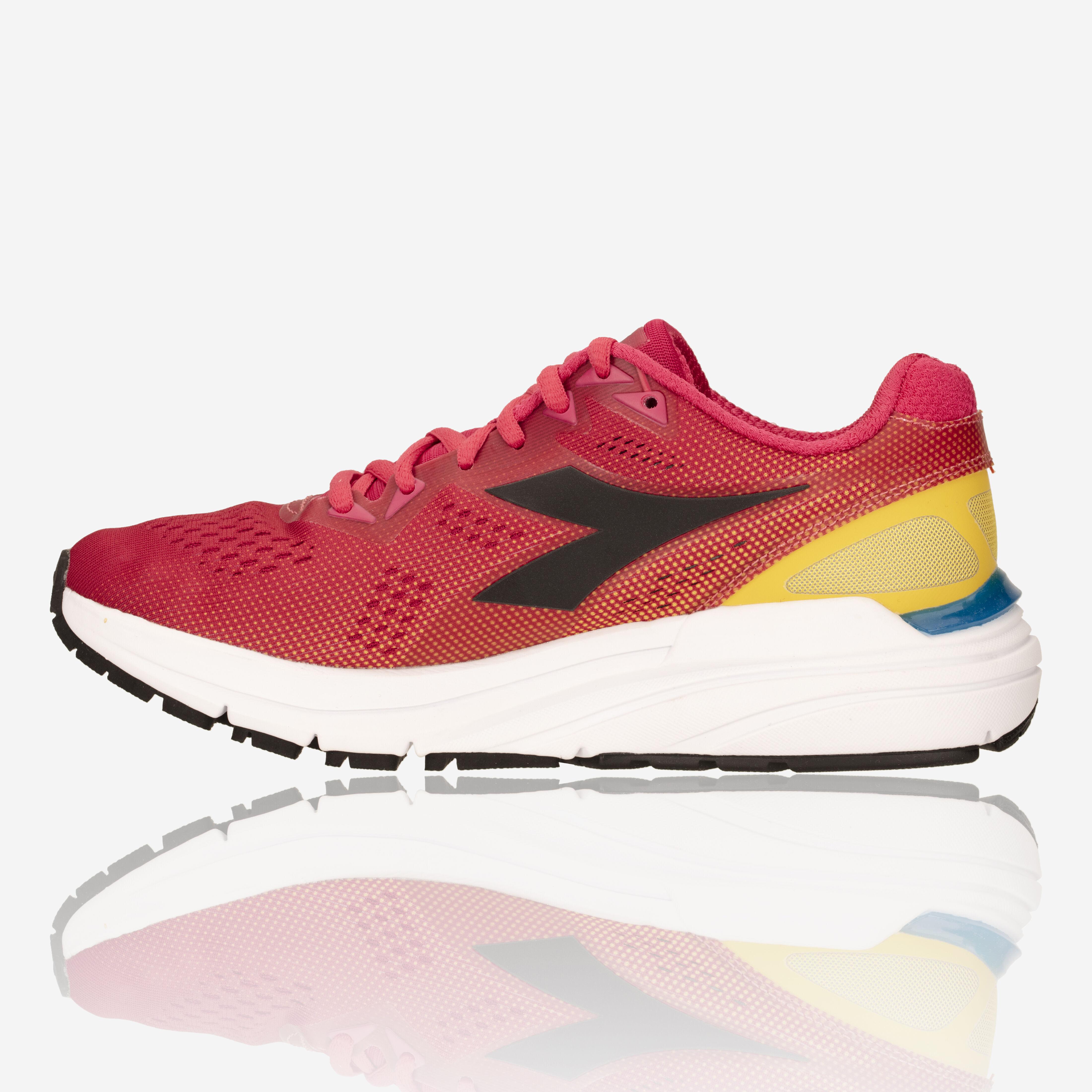 Diadora Mythos Blushield 3 Womens Running Shoes